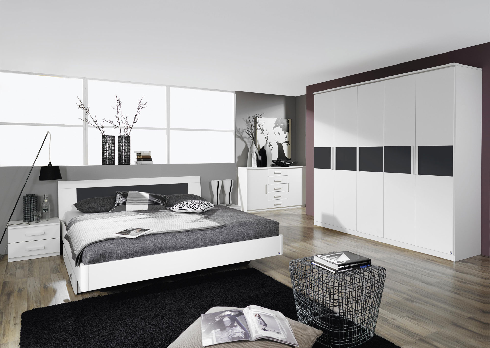 Chambre adulte blanche chambre adulte blanc laqu design for Photo chambre adulte moderne