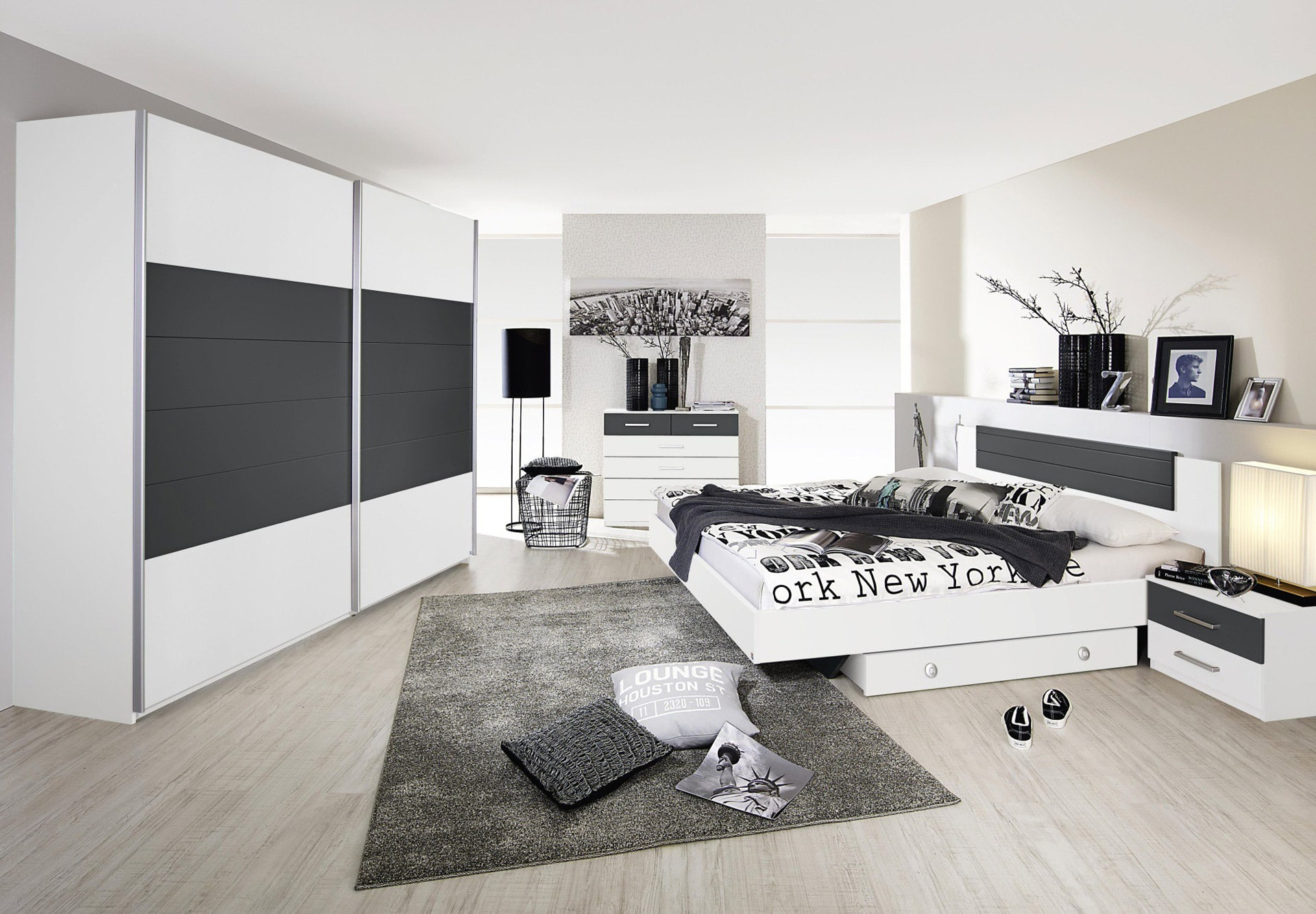 astuces rangement dans la chambre coucher. Black Bedroom Furniture Sets. Home Design Ideas