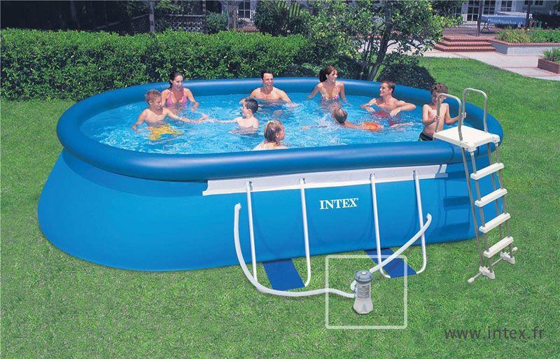 Quelle piscine pour mon jardin for Piscine gonflable intex ronde