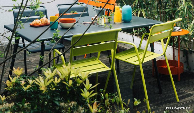des meubles de jardin colorés
