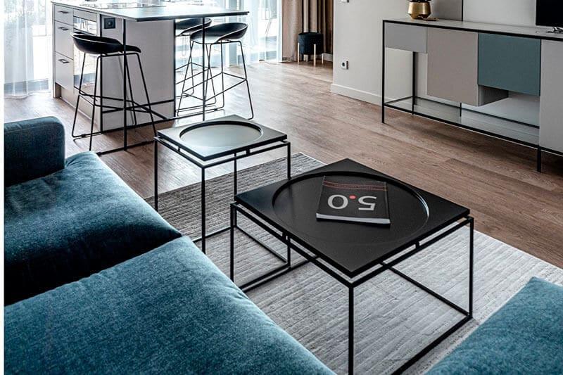 table basse industrielle carrée