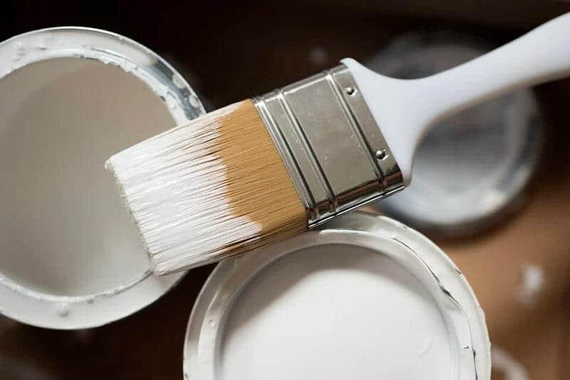pinceau et peinture